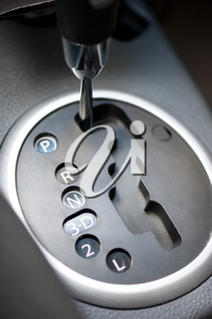 switching modes of automatic transmission car