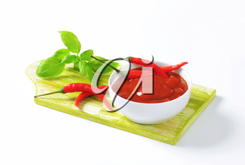 Tomato sauce with hot peppers, garlic and onion