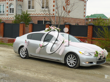 New wedding car. The car waits for guests.